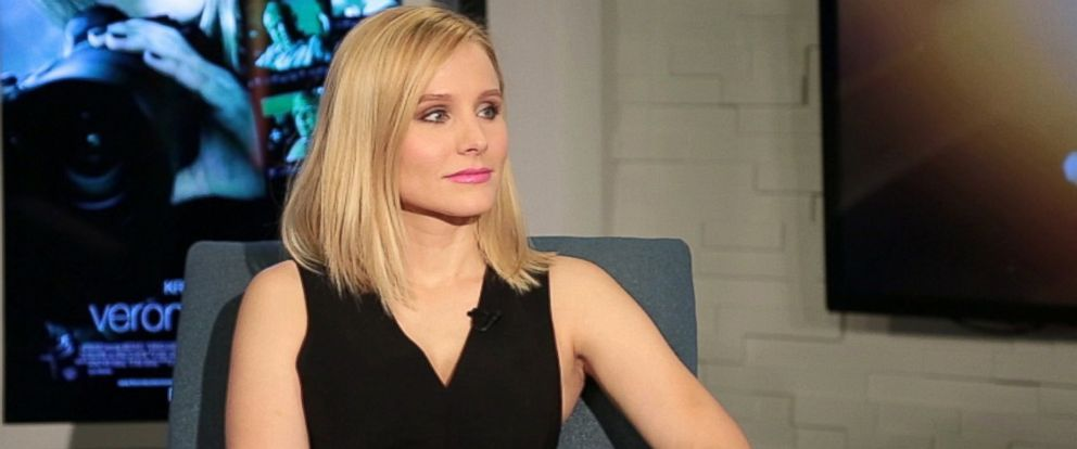 """PHOTO: Kristen Bell is seen during an interview with Peter Travers on """"Popcorn."""""""