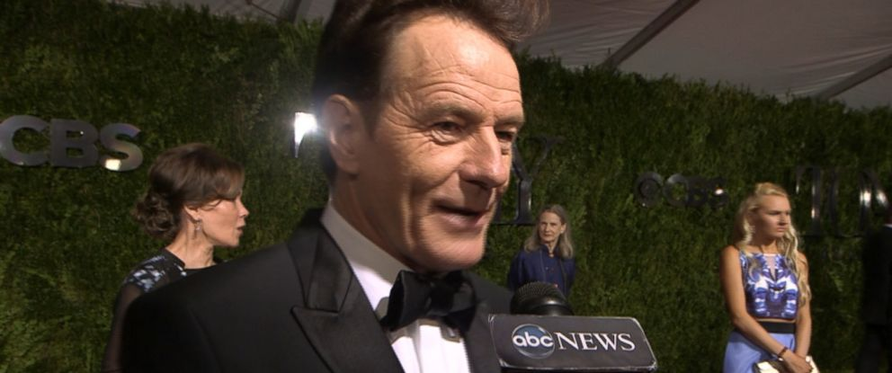PHOTO: Bryan Cranston speaks with ABC News on the red carpet at the Tony Awards, June 7, 2015, in New York City.