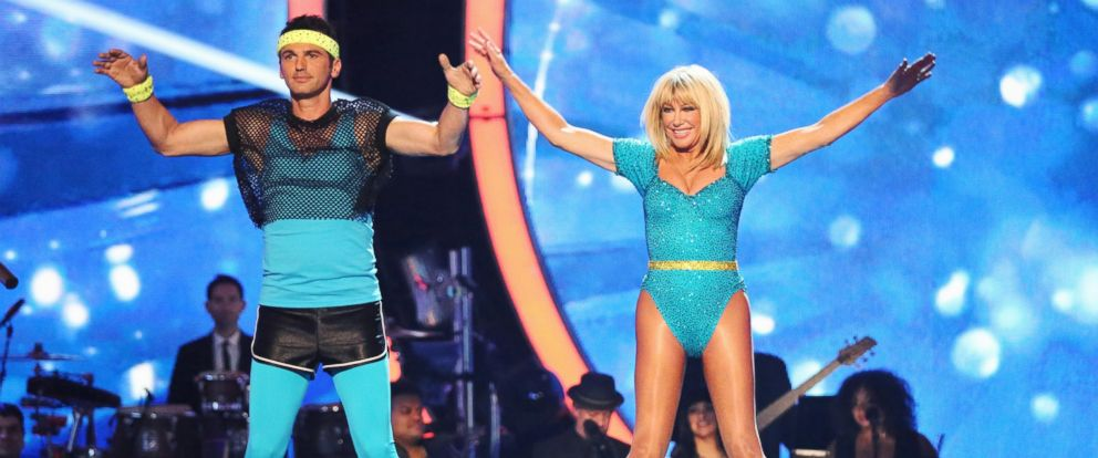 "PHOTO: Tony Dovolani and Suzanne Somers perform on ""Dancing with the Stars."""