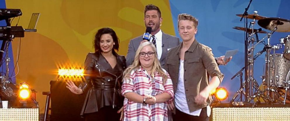 """PHOTO: Demi Lovato surprised the lucky winner of """"Good Morning Americas"""" Musical.ly Challenge Finale, awarding the teen with tickets to her """"Future Now"""" show with Nick Jonas."""