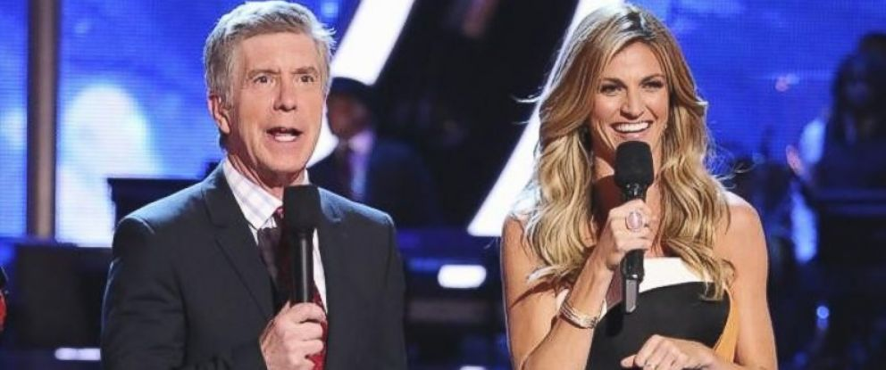 """PHOTO:Erin Andrews, right, joins """"Dancing with the Stars"""" as host alongside Emmy-Award Winner, left, Tom Bergeron for its 18th season premiering March 17, 2014."""