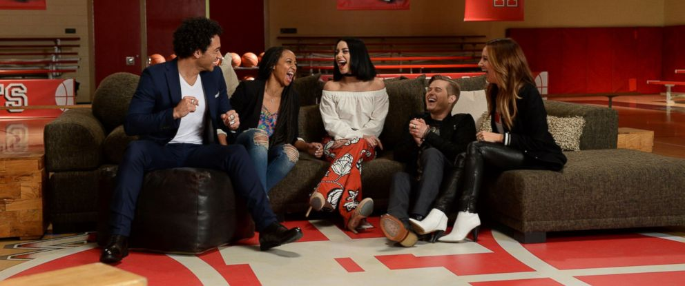 """PHOTO:Vanessa Hudgens, Ashley Tisdale, Monique Coleman, Corbin Bleu and Lucas Grabeel, the stars of Disney Channels """"High School Musical,"""" reunited in Los Angeles, January 17, 2016."""