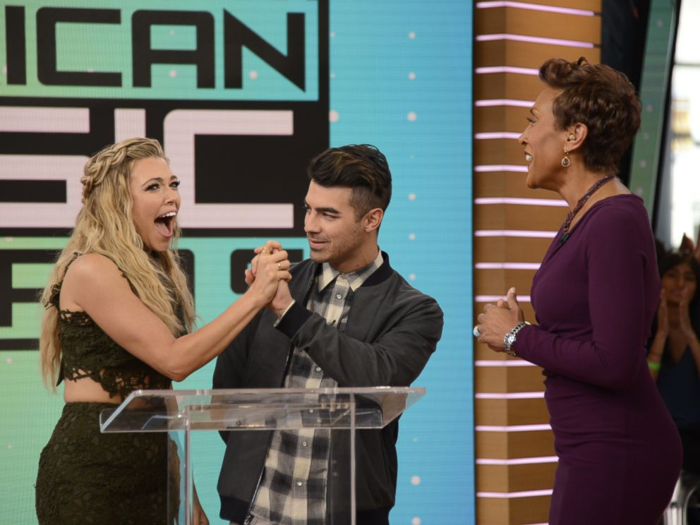 PHOTO: Rachel Platten learned that she was nominated for a 2016 AMA in the Favorite Artist in the Adult Contemporary category today on Good Morning America.