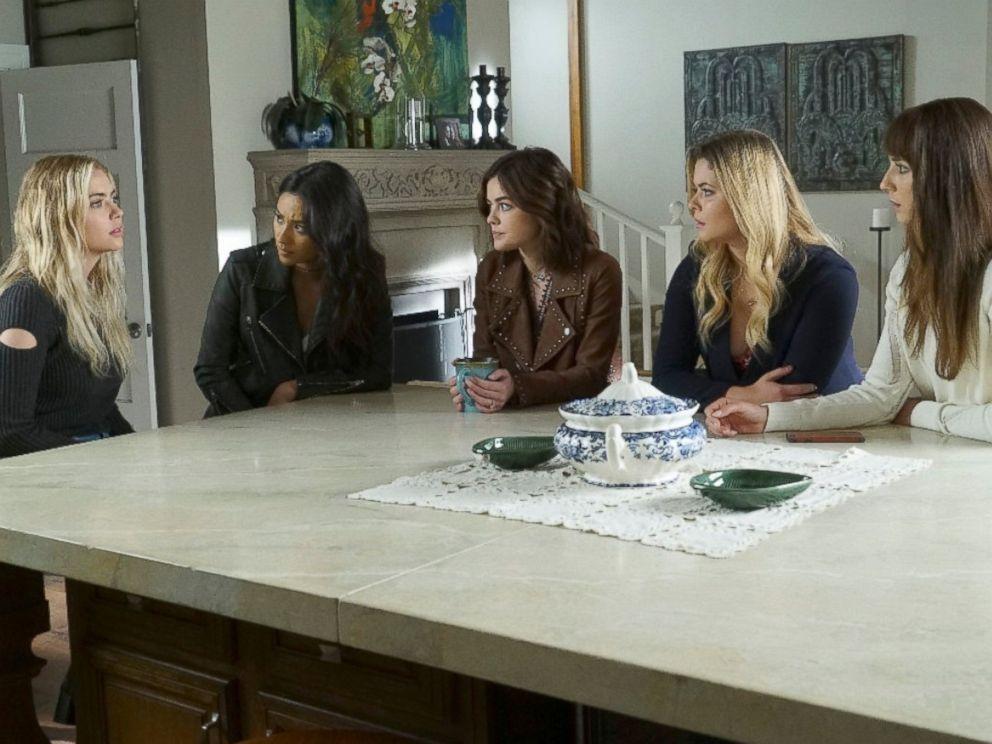 PHOTO: Scene from Pretty Little Liars season finale.