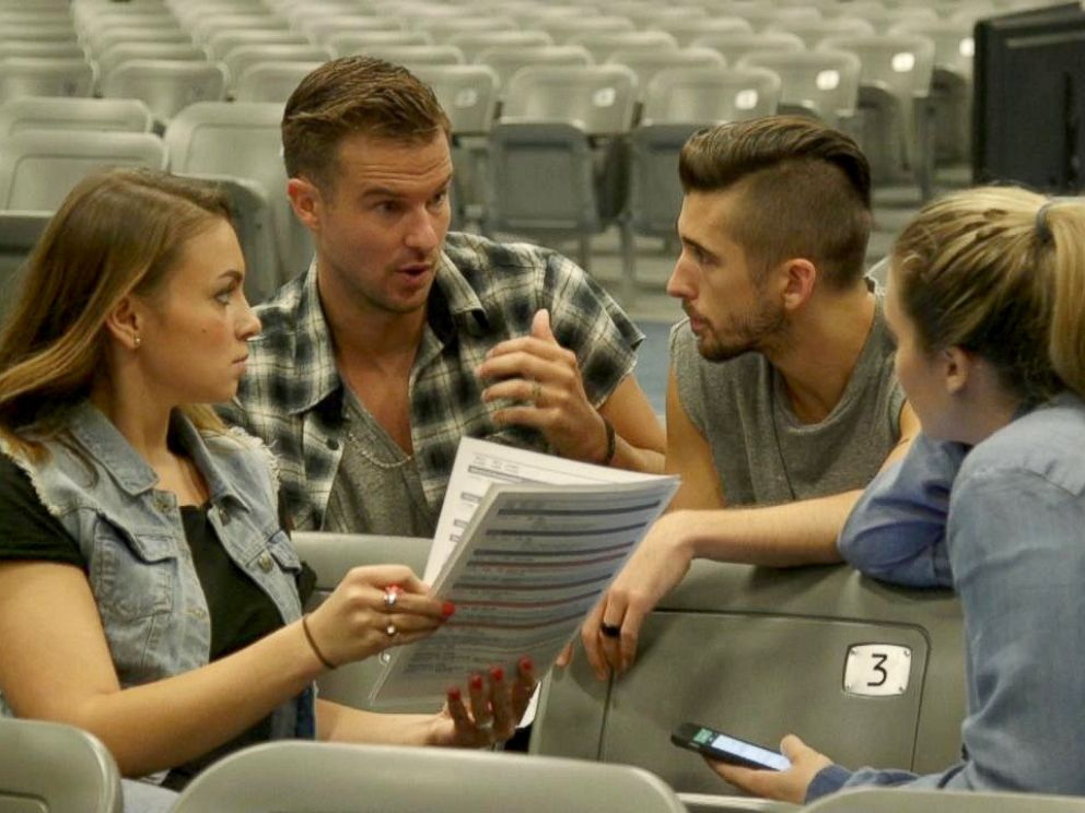 PHOTO: Wilkerson, center left, plans for his first Sunday sermon at his Miami church Vous.