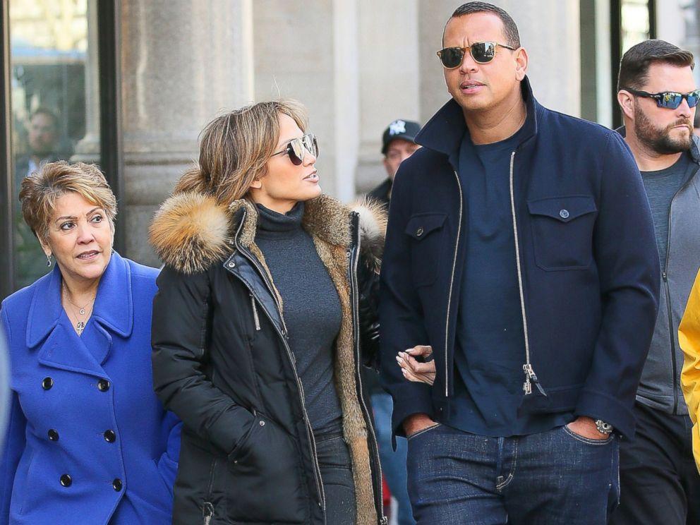 PHOTO:Jennifer Lopez and Alex Rodriguez walk in Manhattan, April 2, 2017.