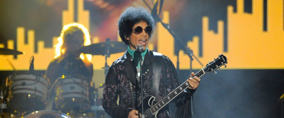 PHOTO: Prince performs at the Billboard Music Awards at the MGM Grand Garden Arena in Las Vegas, May 19, 2013.