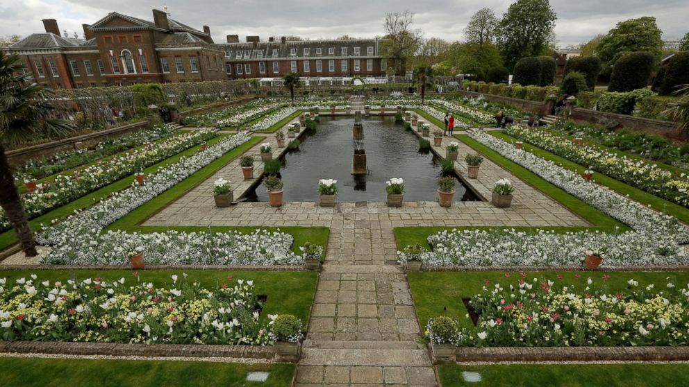 An overview shows The White Garden, a new memorial garden which marks 20 years since the death of Britain's Princess Diana, at Kensington Palace in London, April 13, 2017. Kensington Palace was the home of Princess Diana for 15 years and is now a residence for her two sons Prince Harry and Prince William, with his wife Kate and their two children George and Charlotte.