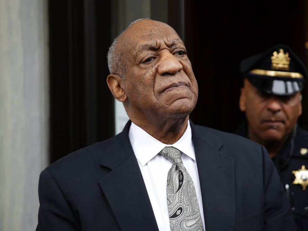 PHOTO: Bill Cosby exits the Montgomery County Courthouse after a mistrial was declared in his sexual assault trial in Norristown, Pa., June 17, 2017.