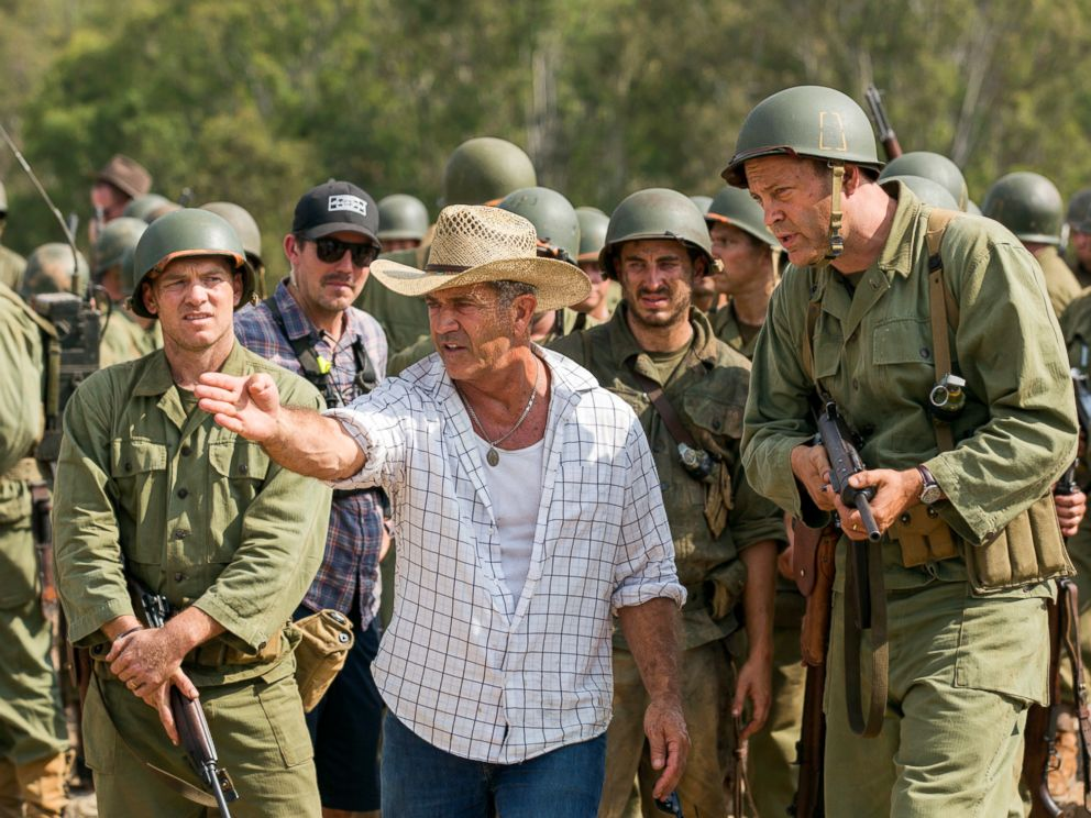 PHOTO: Mel Gibson, center, and actor Vince Vaughn on the set of the film, Hacksaw Ridge.