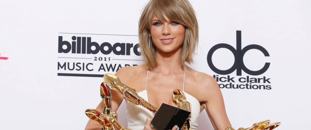PHOTO: Taylor Swift poses in the press room at the Billboard Music Awards at the MGM Grand Garden Arena, May 17, 2015, in Las Vegas.