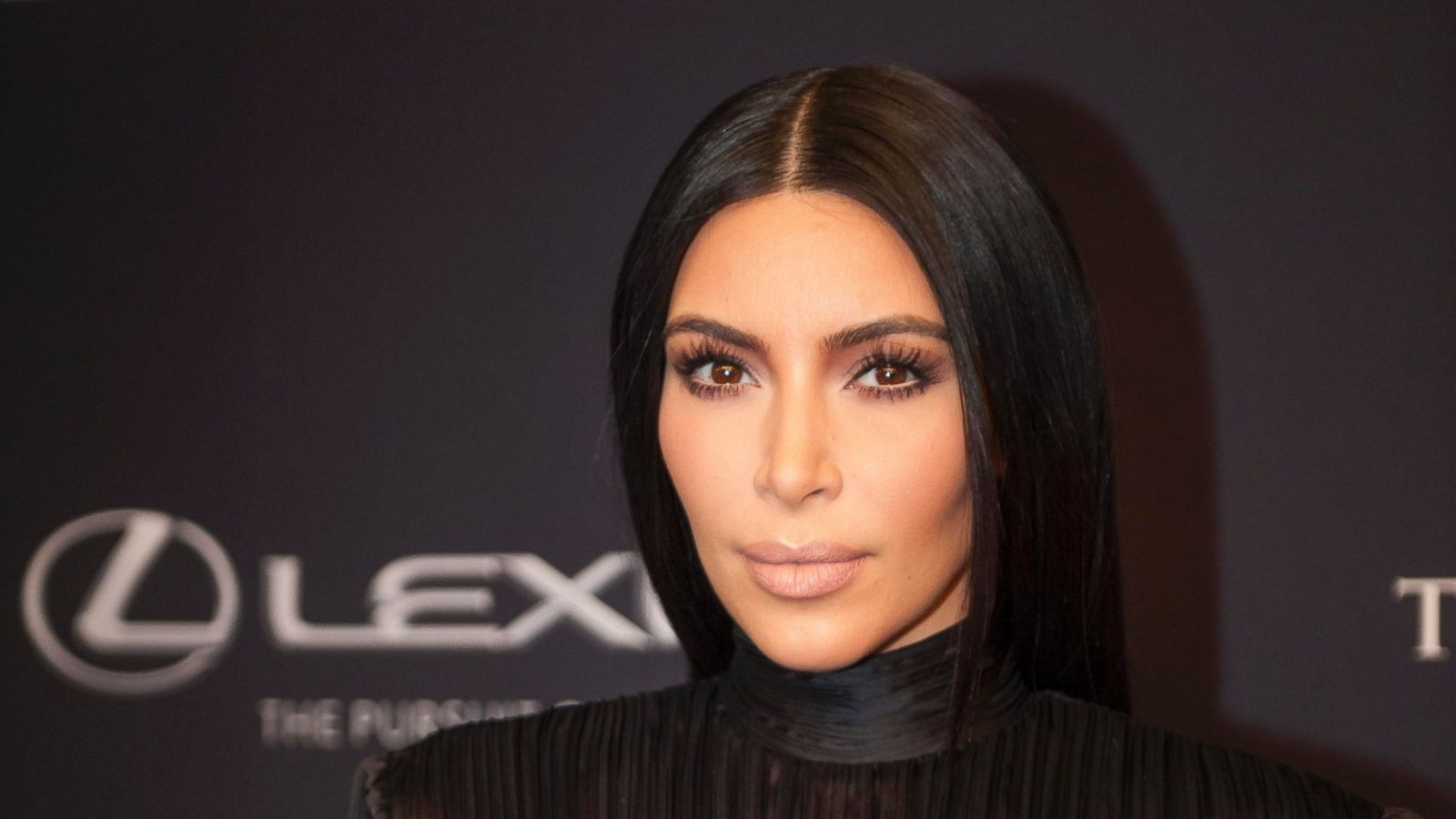 Kim Kardashian Gets A New Haircut Abc News
