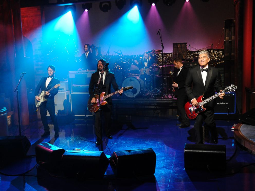 PHOTO: The Foo Fighters perform during a taping of David Lettermans final Late Show with David Letterman, May 20, 2015 at the Ed Sullivan Theater in New York.