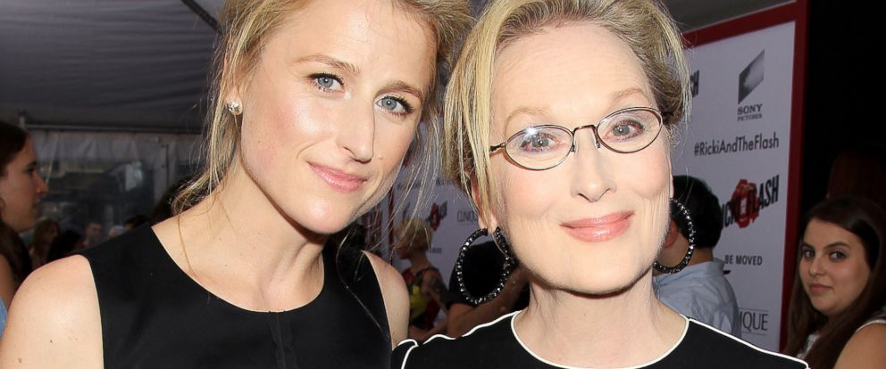 "PHOTO: Mother-daughter actresses Meryl Streep, right, and Mamie Gummer pose at the premiere of their film, ""Ricki and the Flash,"" in New York."