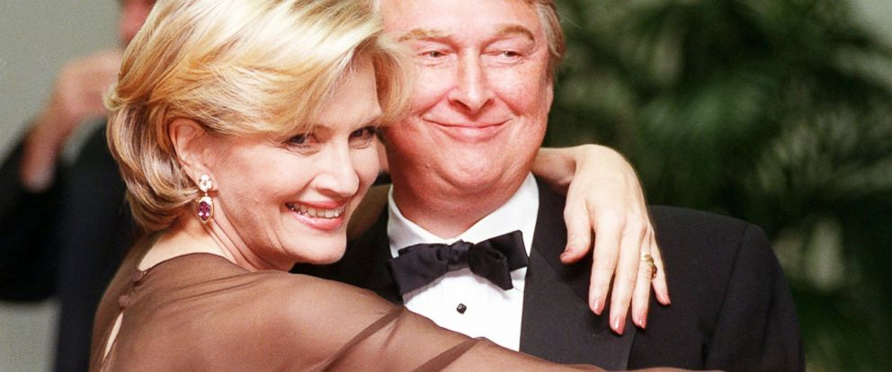 PHOTO: Diane Sawyer and her husband, film director Mike Nichols, pose together at the Academy of Television Arts & Sciences 13th Annual Hall of Fame induction ceremonies, in this Nov. 1, 1997 file photo in Los Angeles.
