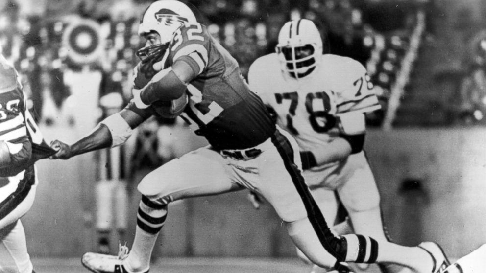 Buffalo Bills running back O.J. Simpson (32), strides over teammates during a football game against the Tampa Bay Buccaneers  in Buffalo, N.Y., September 3, 1977.