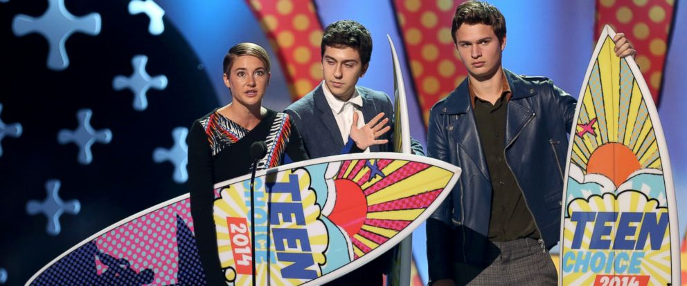 """PHOTO: Shailene Woodley, from left, Nat Wolff and Ansel Elgort accept the award for choice movie: drama for """"The Fault In Our Stars"""" at the Teen Choice Awards at the Shrine Auditorium, Aug. 10, 2014, in Los Angeles."""