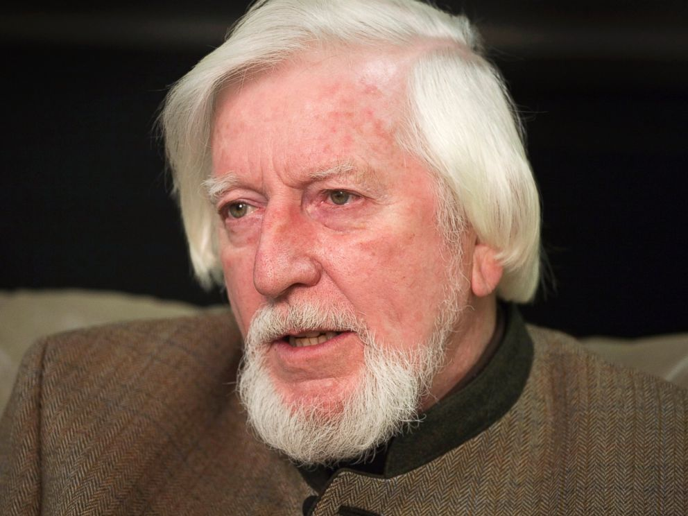 PHOTO: Caroll Spinney, who voices Big Bird and Oscar the Grouch, is interviewed during a break from taping an episode of Sesame Street in New York, April 10, 2008.