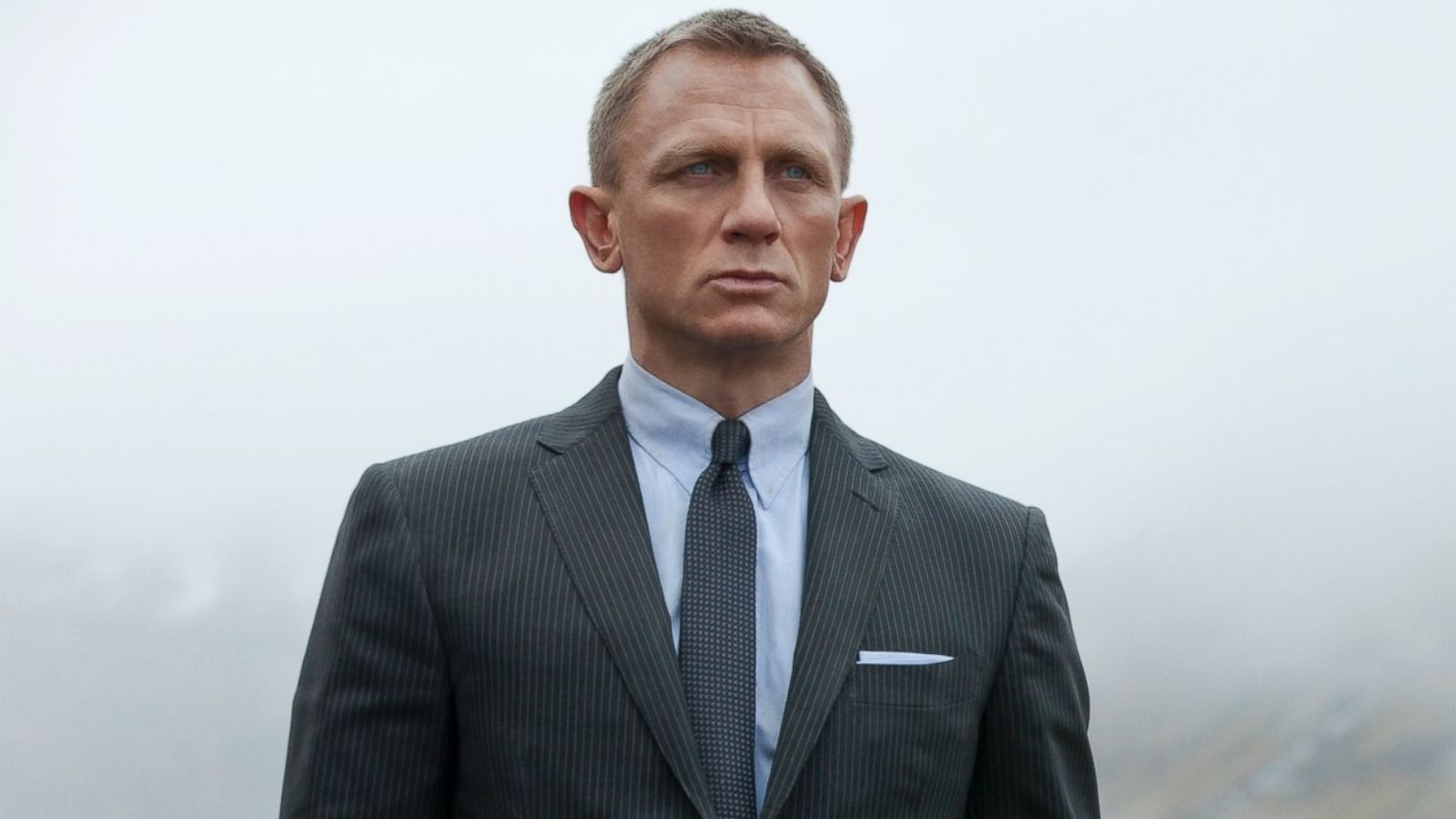 Watch: Daniel Craig Confirms He's Returning As James Bond for the Fifth Time Watch: Daniel Craig Confirms He's Returning As James Bond for the Fifth Time new pics