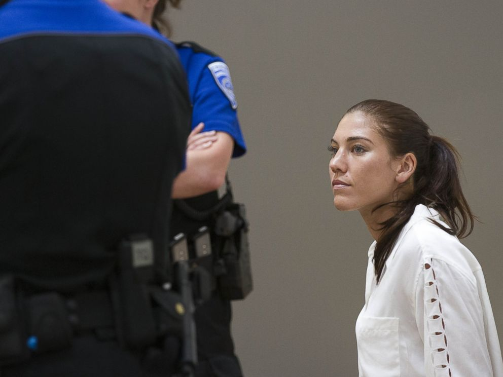 PHOTO: U.S. womens soccer team goalkeeper Hope Solo appears in Kirkland Municipal Court, June 23, 2014, in connection with her domestic violence arrest at her sisters home in Kirkland, Wash.