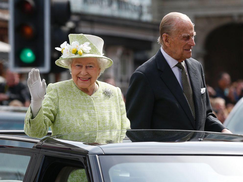 queen elizabeth essay prompt relating speech qei made rall