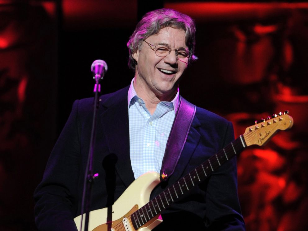 PHOTO: Steve Miller performs at the 25th annual ASCAP Pop Music Awards, in Los Angeles, April 9, 2008.