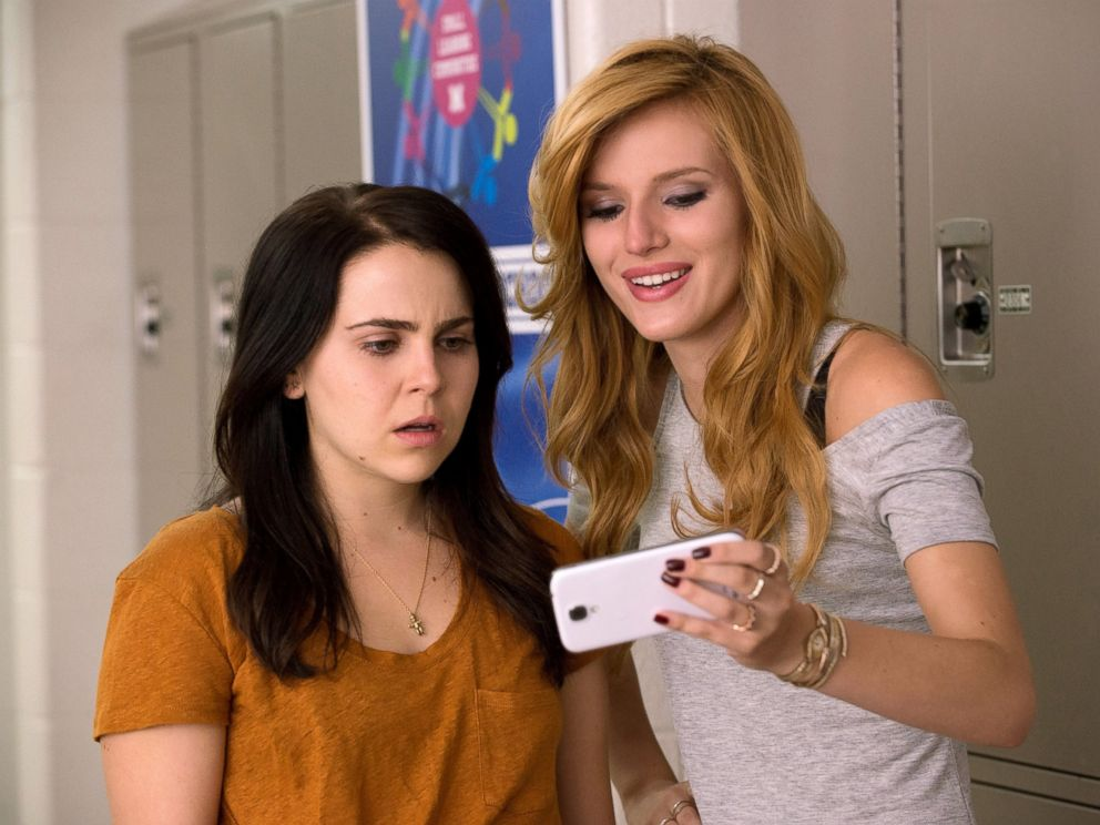 PHOTO: Mae Whitman, left, and Bella Thorne appear in a scene from The DUFF.