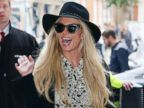 Britney Spears Gives a Wave in London