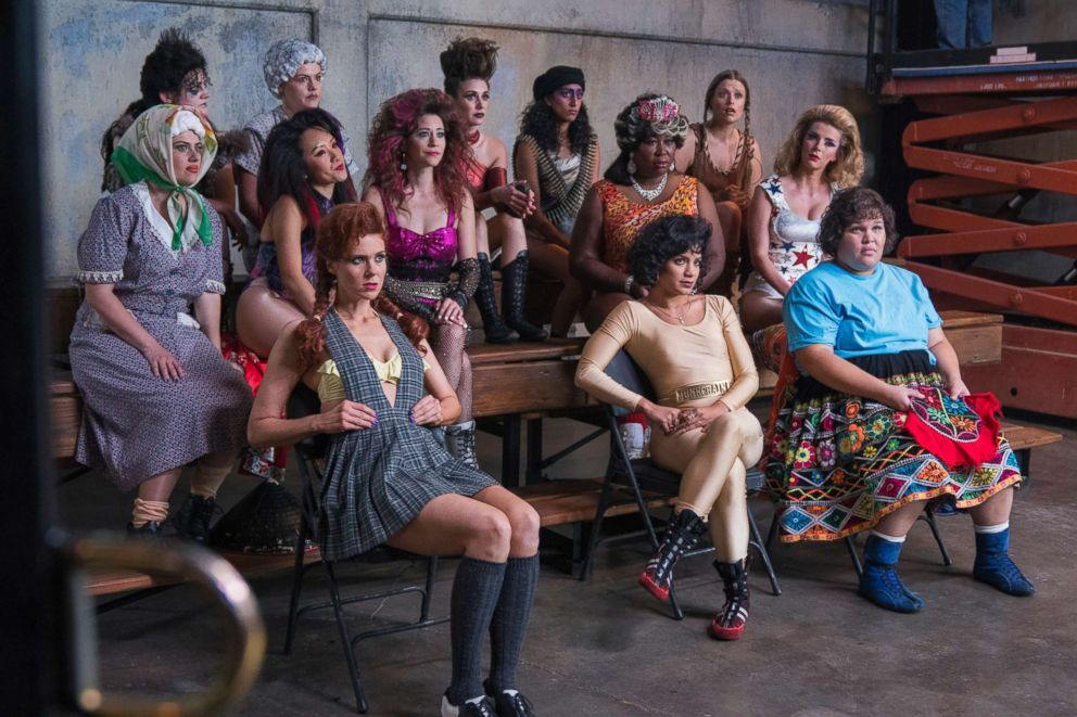 PHOTO: Cast of Netflix show GLOW in the premiere episode of the second season.