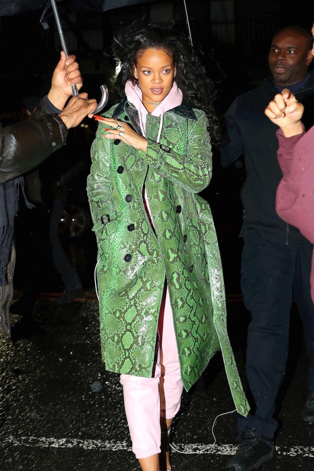 182f324e7c0 Rihanna  Through the Years Photos - ABC News