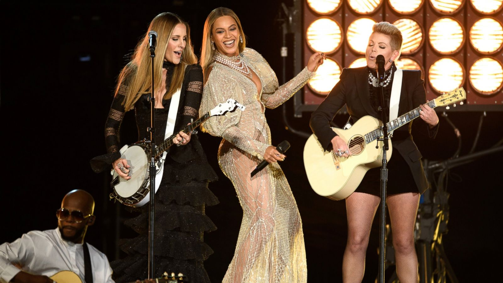 Image result for Beyonce at the CMAs