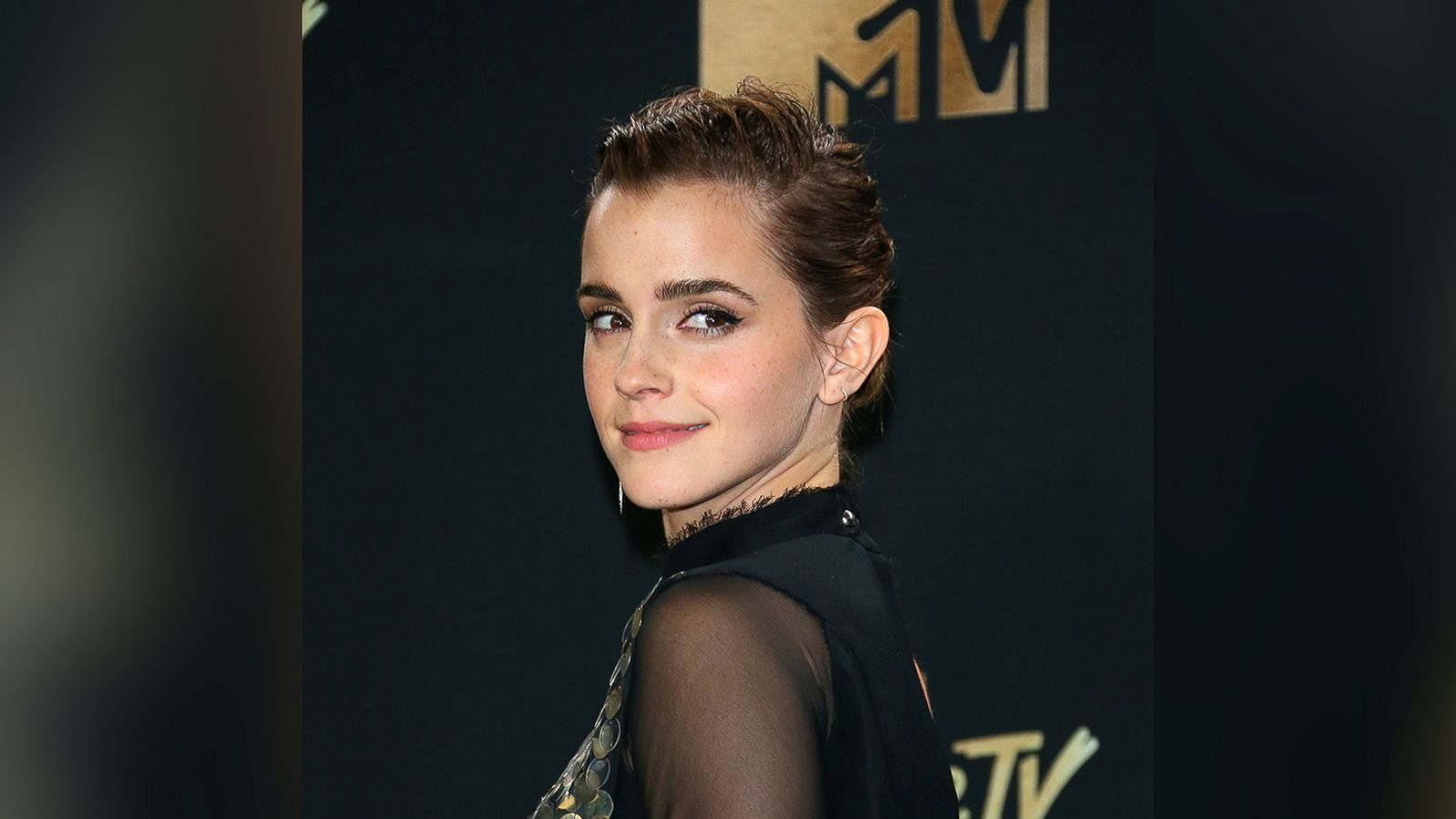emma watson accepts mtv award, says acting does not 'need to be