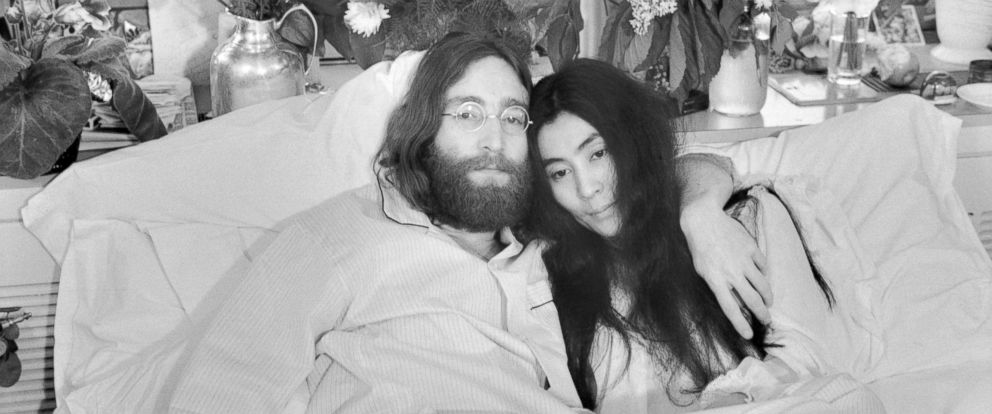 """PHOTO: Beatle John Lennon and Yoko Ono, pose in bed in Montreal, on June 1969. His first solo album at the time featured songs telling of his love for Yoko. They held an in bed press conferences in several cities with the theme, """"make love, not war."""""""