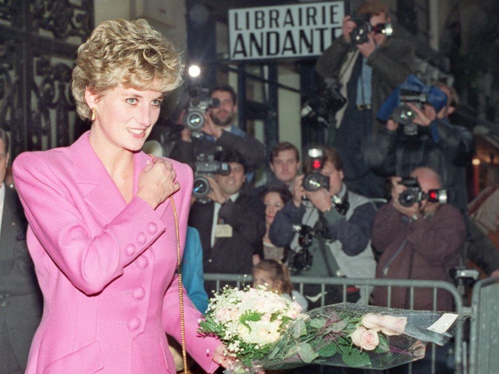PHOTO: Princess Diana leaving the first anti-AIDS bookshop in Paris, Nov. 14, 1992.