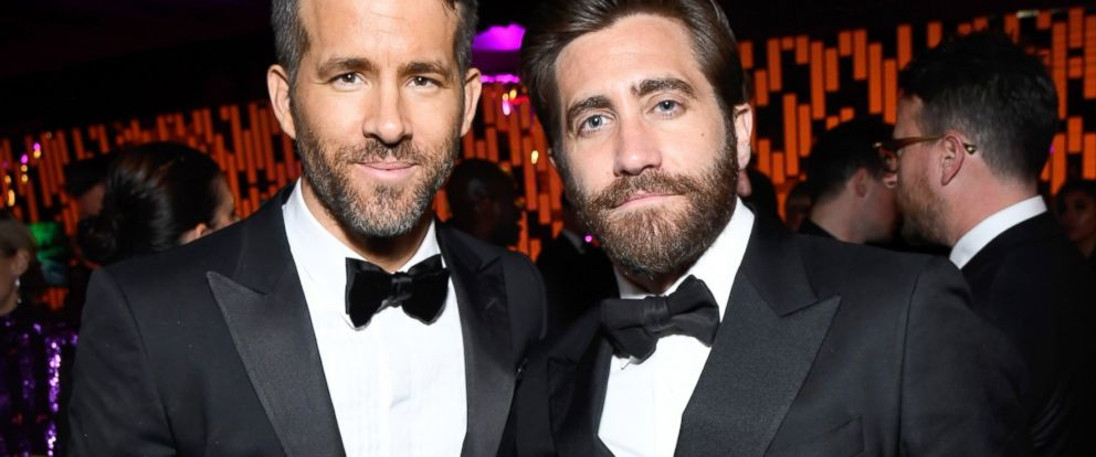 PHOTO: Actors Ryan Reynolds (L) and Jake Gyllenhaal attend The 2017 InStyle and Warner Bros. 73rd Annual Golden Globe Awards Post-Party at The Beverly Hilton Hotel, on Jan. 8, 2017, in Beverly Hills, Calif.