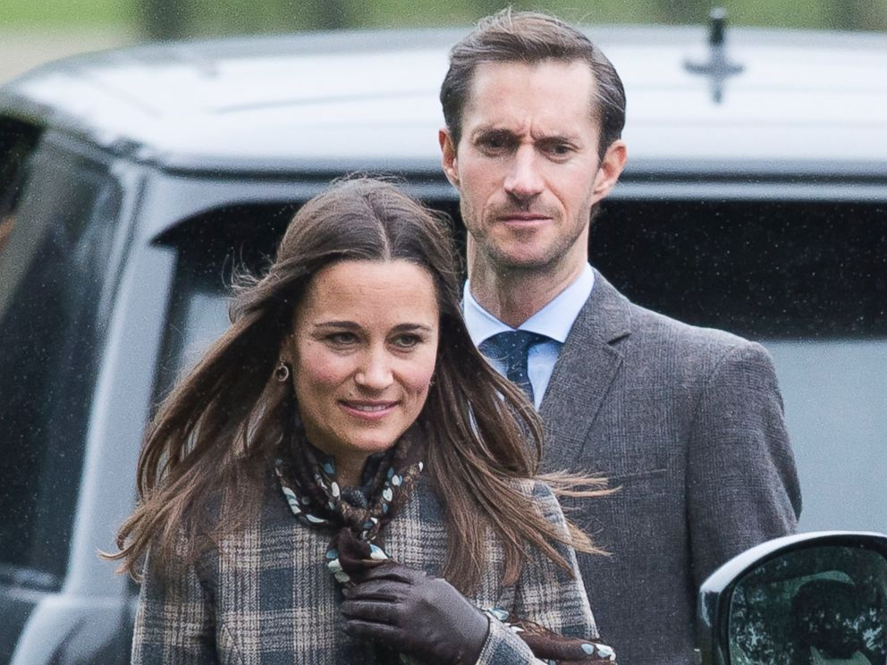 PHOTO: Pippa Middleton and James Matthews attend church on Christmas Day, December 25, 2016 in Bucklebury, Berkshire.