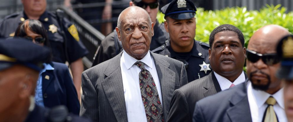 PHOTO: Bill Cosby leaves a preliminary hearing on sexual assault charges, May 24, 2016 at Montgomery County Courthouse in Norristown, Pennsylvania.