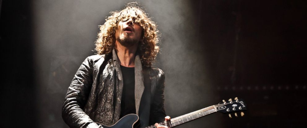 PHOTO: Chris Cornell performs on stage, July 13, 2012, in London.