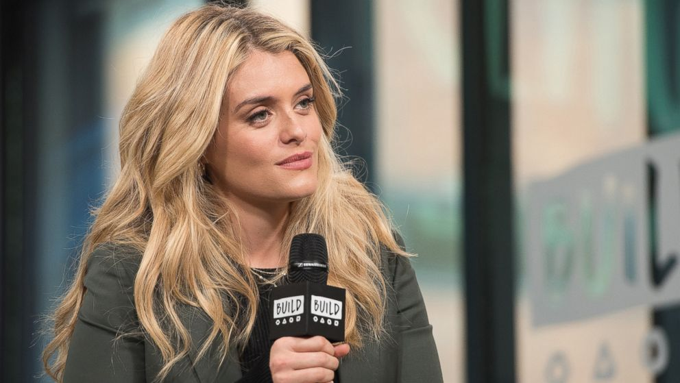 Daphne Oz Explains Why She Didnt Tell Her Kids About Her Father In