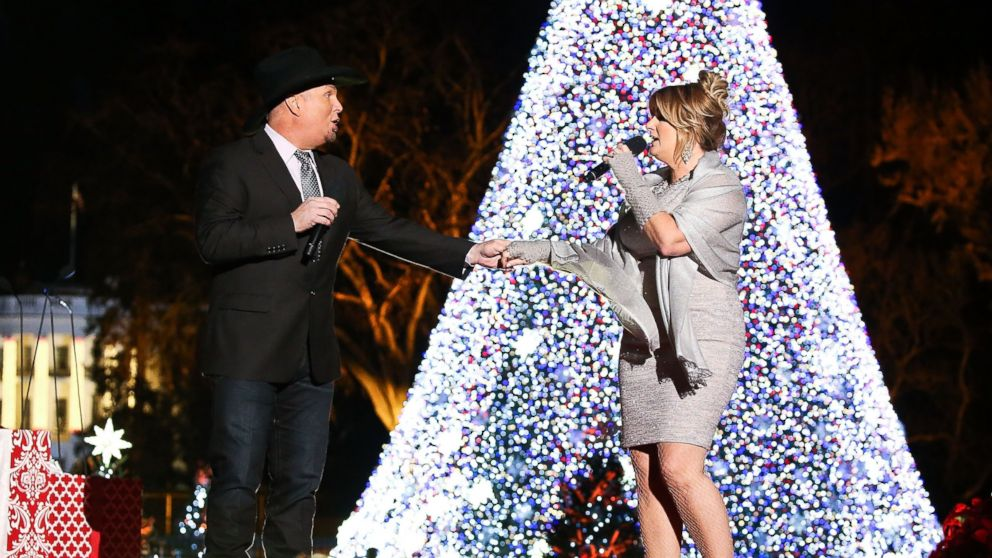 Garth Brooks And Trisha Yearwood Talk Family Christmas Traditions