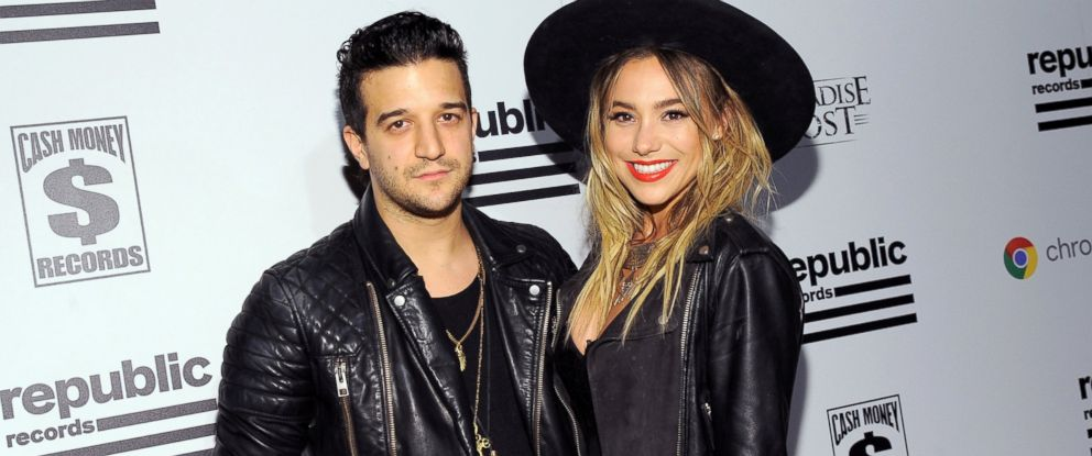 Dancing With The Stars Pro Dancer Mark Ballas Weds Bc Jean Abc News