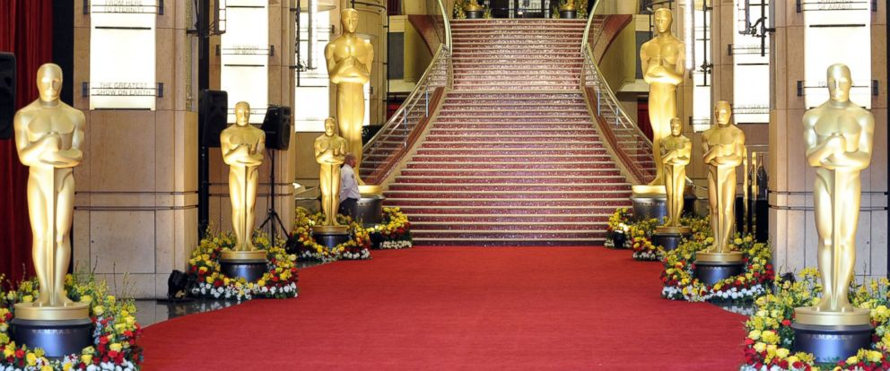 PHOTO: A general view of the red carpet before the start of arrivals at the 82nd Annual Academy Awards held at Kodak Theater on March 7, 2010 in Hollywood, California.