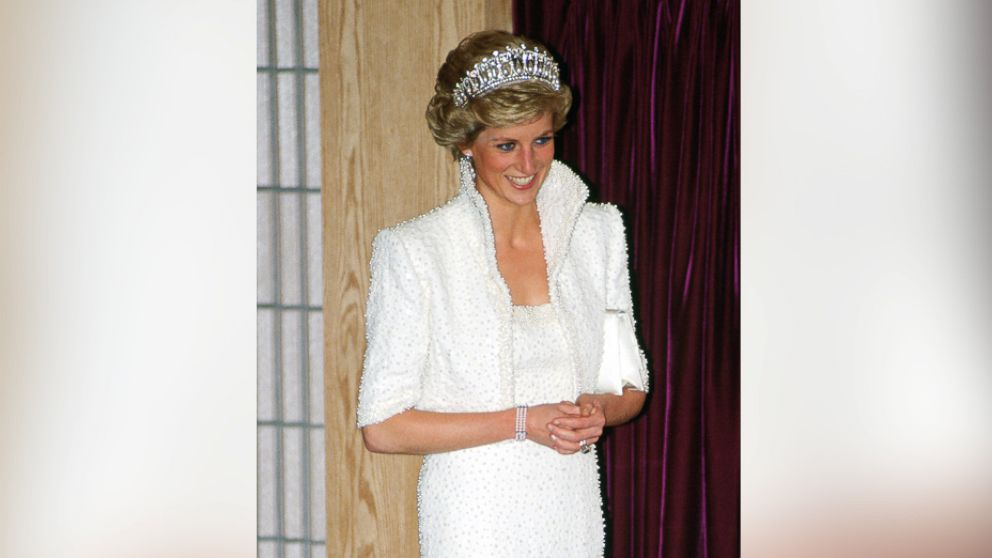 "Diana, Princess of Wales wears the ""Elvis dress"" during a visit to the Culture Center in Hong Kong, Nov. 8, 1989."