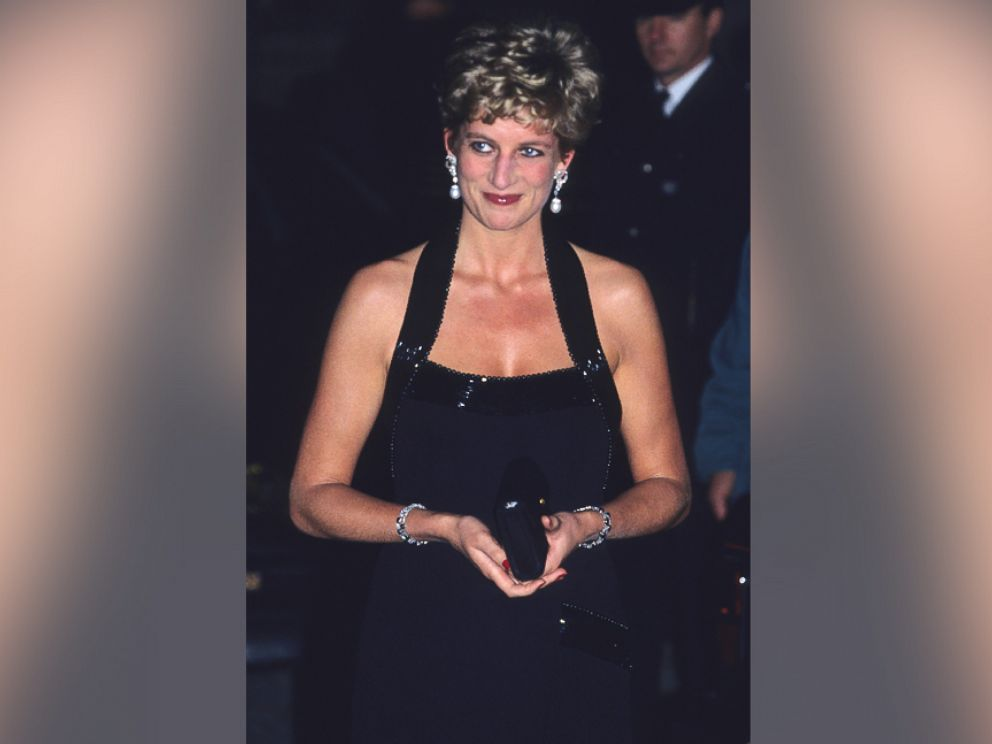 PHOTO: Diana, Princess of Wales wears a Catherine Walker evening gown as she attends a charity dinner at the Palace of Versailles, Nov. 28, 1994 in Versailles, France.