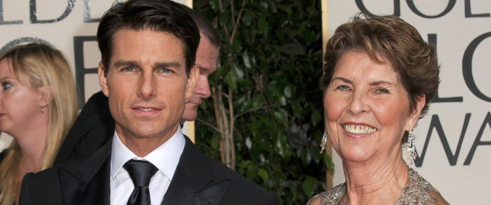 PHOTO: Tom Cruise, along with his mother, arrive at The 66th Annual Golden Globe Awards at The Beverly Hilton Hotel, Jan. 11, 2009, in Hollywood, California.