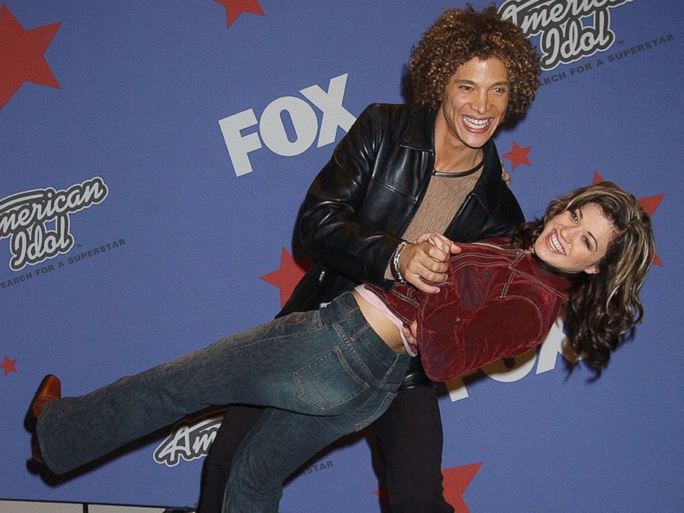PHOTO: Kelly Clarkson admitted on a 2015 episode of Watch What Happens Live! that she dated competitor Justin Guarini.