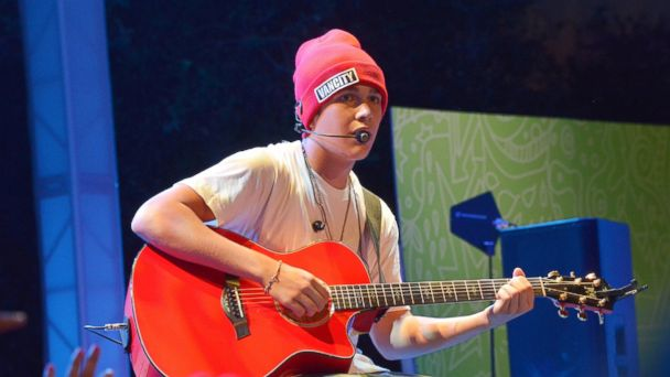 PHOTO: Singer Austin Mahone performs at Aquafina Launch of FlavorSplash at Sony Pictures Studios, Oct. 15, 2013 in Culver City, Calif.