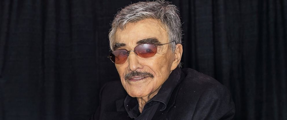 PHOTO: Hollywood Icon/actor Burt Reynolds attends Wizard World Comic Con Chicago 2015 - Day 3 at Donald E. Stephens Convention Center, Aug. 22, 2015, in Chicago.