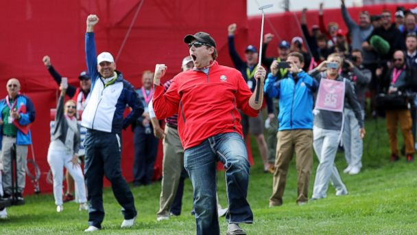 Ryder Cup Heckler Wins $100 Bet by Making Putt Rory McIlroy Missed