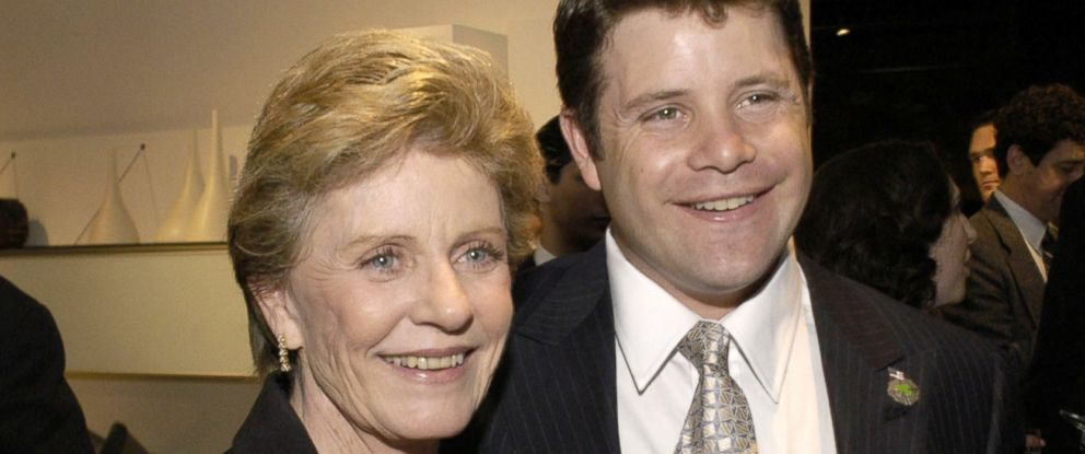 PHOTO: Actress Patty Duke shown with her son, actor Sean Astin at the Creative Coalitions 2004 Capitol Hill Spotlight Awards ceremony in 2004 in Washington, DC.
